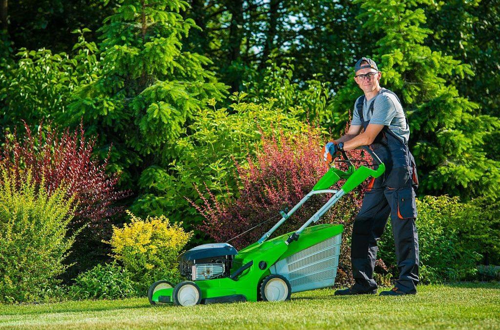 Lawn mowing service Fort Wayne